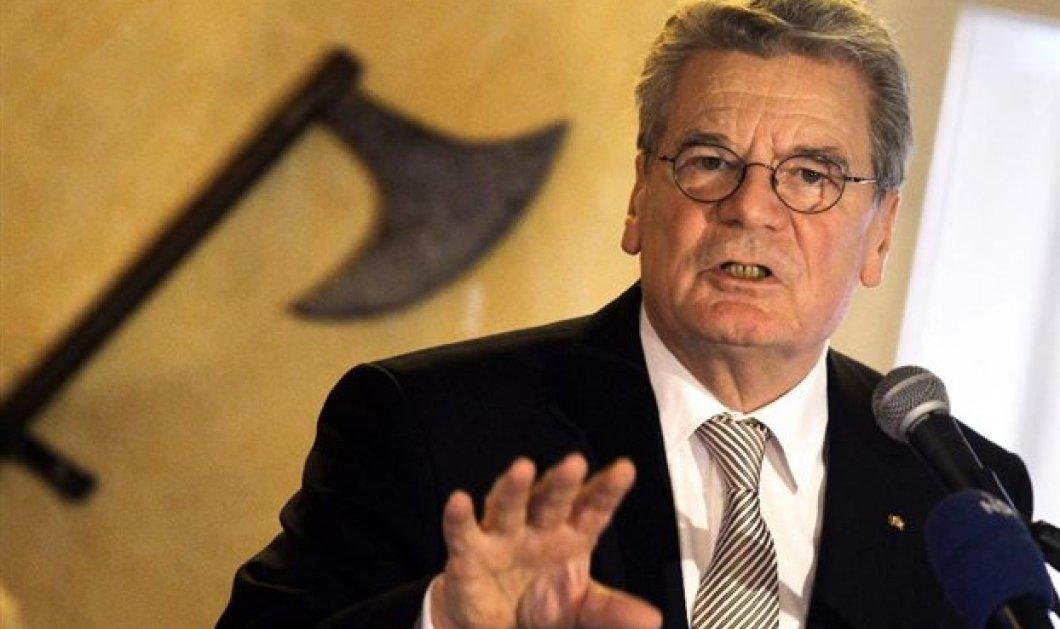 Γ.Γκάουκ, Πρόεδρος Γερμανίας: Να δούμε το θέμα των αποζημιώσεων στην Ελλάδα - Είμαστε απόγονοι εκείνων που κατέστρεψαν την Ευρώπη - Κυρίως Φωτογραφία - Gallery - Video