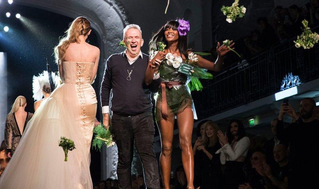 Συγκλονιστικά ρούχα έδειξε ο Jean Paul Gaultier στο Παρίσι & υποκλίθηκε με τη Ναόμι Κάμπελ για νύφη!(Slideshow) - Κυρίως Φωτογραφία - Gallery - Video