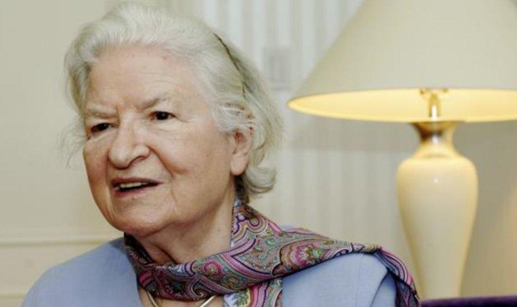 Πέθανε η «βασίλισσα της αστυνομικής λογοτεχνίας» Φ. Ντ. Τζέιμς σε ηλικία 94 ετών - Κυρίως Φωτογραφία - Gallery - Video