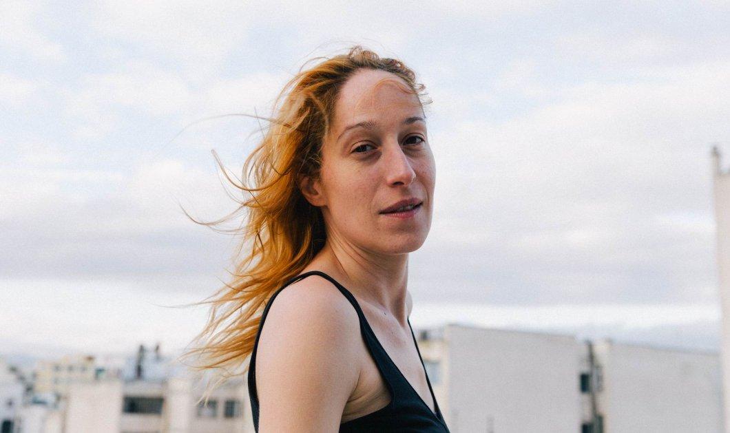 Κόρα Καρβούνη: «Παίζω θέατρο για να βοηθήσω έστω έναν άνθρωπο στην ζωή του» - Κυρίως Φωτογραφία - Gallery - Video