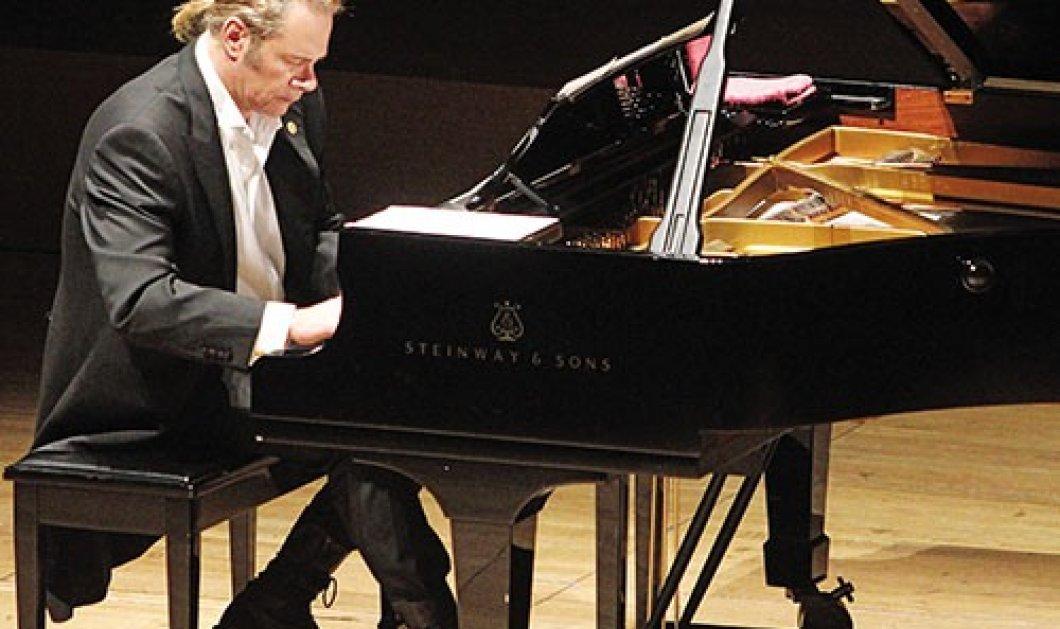 Ο μοναδικός Στέφανος Κορκολής στο πολυχώρο πολιτισμού Αθηναϊς, σε solo piano - 1 παράσταση έμεινε! - Κυρίως Φωτογραφία - Gallery - Video