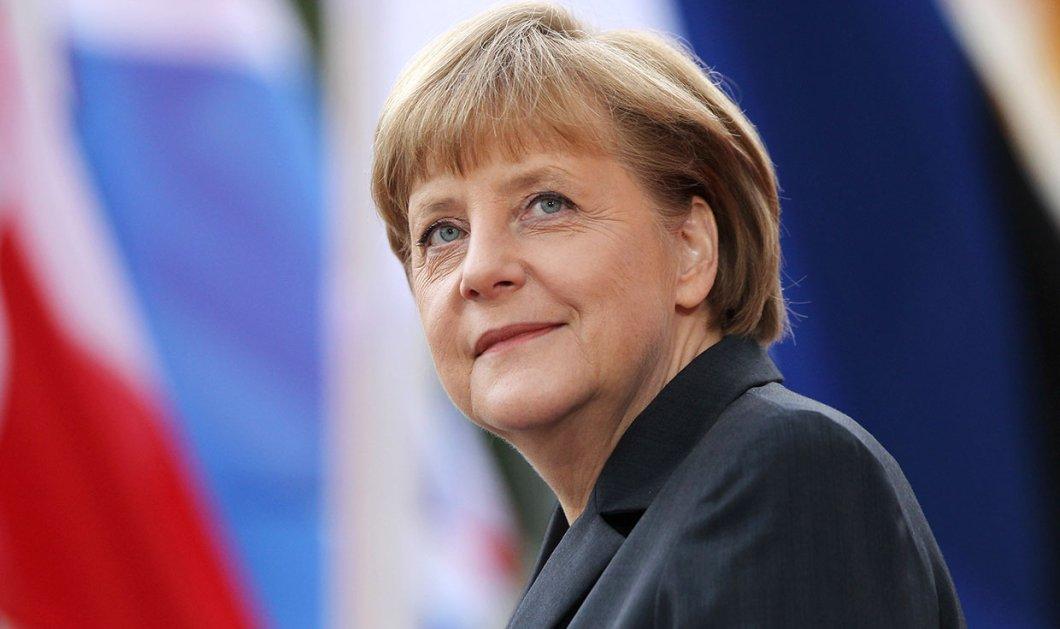 Υποδοχή... Αρχιεπισκόπου στην Άνγκελα Μέρκελ -  Ποιος «γαλαζοαίματος» χειροφίλησε τη Γερμανίδα Καγκελάριο; (φωτό) - Κυρίως Φωτογραφία - Gallery - Video
