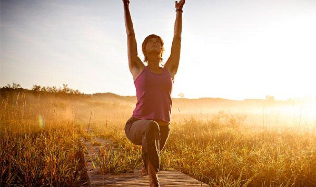 Morning Yoga: Για άφθονη ενέργεια όλη την ημέρα: Να και το βίντεο για να ακολουθήσετε τα βήματα μόνες σας! - Κυρίως Φωτογραφία - Gallery - Video