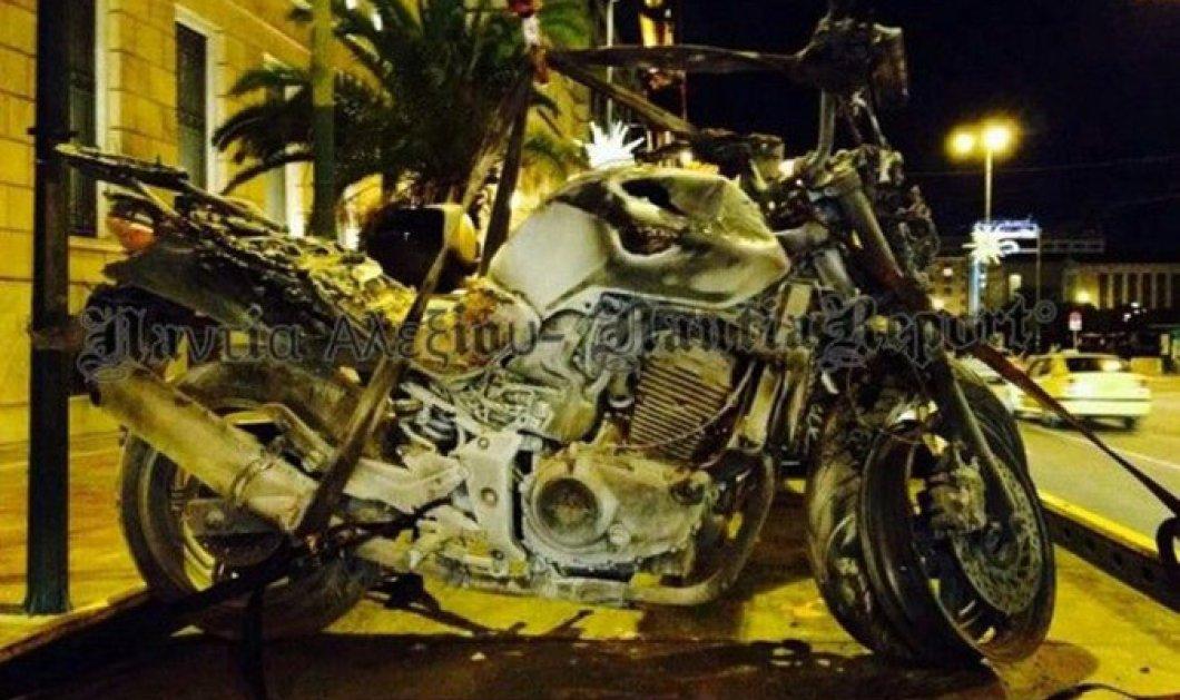 Τραγωδία στο κέντρο της Αθήνας -  Νεκρός μοτοσικλετιστής στην Πανεπιστημίου και τρεις τραυματίες σε κρίσιμη κατάσταση!  - Κυρίως Φωτογραφία - Gallery - Video