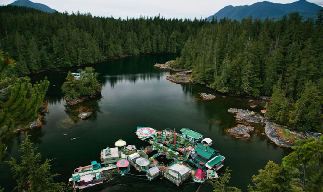 Story of the day: Εκκεντρικό ζευγάρι επί 20 χρόνια  έφτιαχνε ένα υπέροχο πλωτό νησί - θα ζήσει εκεί ως το τέλος  - Κυρίως Φωτογραφία - Gallery - Video