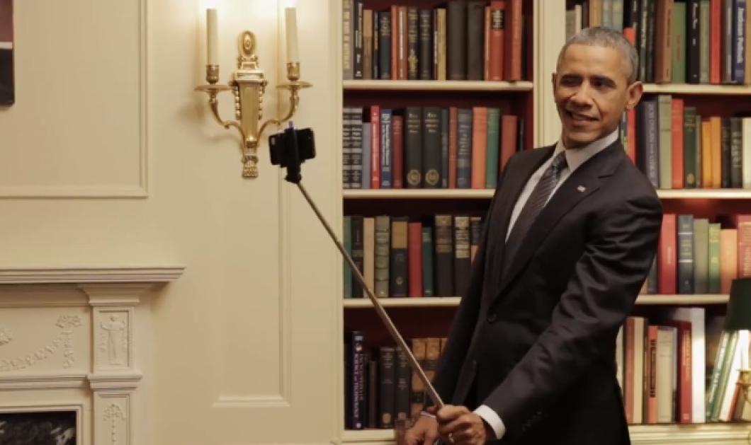 """Το βίντεο της ημέρας: Ο Μ. Ομπάμα κάνει απίστευτα αστείες γκριμάτσες μπροστά στον καθρέπτη για να """"πουλήσει"""" το Obamacare! Απολαύστε το! - Κυρίως Φωτογραφία - Gallery - Video"""