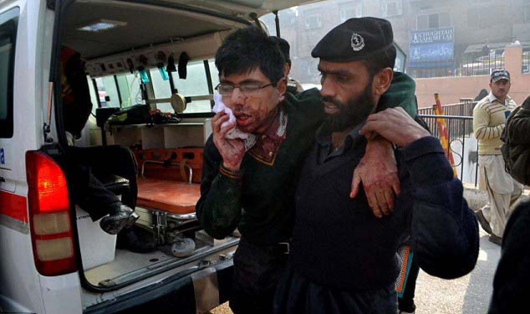 Πακιστάν: Παγκόσμιος θρήνος για τη σφαγή των μικρών μαθητών από Ταλιμπάν - 132 νεκροί - Εικόνες & βίντεο από το μακελειό που κόβουν την ανάσα - Κυρίως Φωτογραφία - Gallery - Video