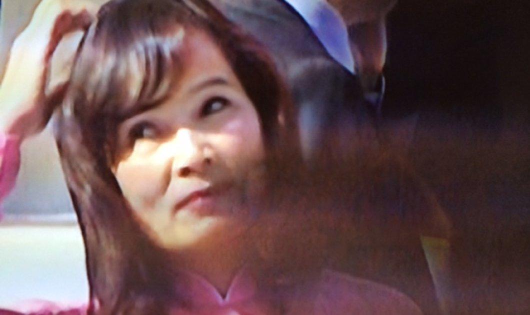 Ποια ήταν η πανέμορφη, εξωτική κυρία που ''έκλεψε'' την παράσταση στην Βουλή με ροζ maxi φουστάνι; (φωτό) - Κυρίως Φωτογραφία - Gallery - Video