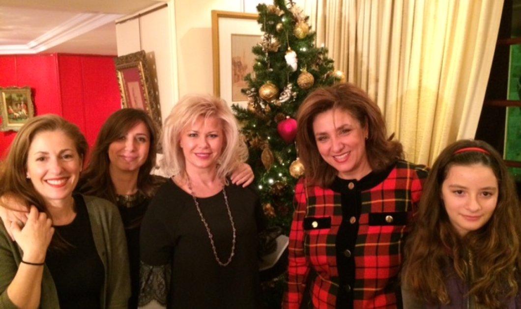 Ήπιαμε τσάι στην Έμυ Τρίκαρδου & έχουμε το preview της χριστουγεννιάτικης της σειράς! - Κυρίως Φωτογραφία - Gallery - Video