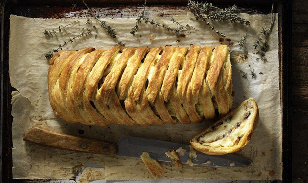 Ο Άκης Πετρετζίκης μας σερβιρει την πιο νόστιμη πατατόπιτα με μελιτζάνα! Πάμε να δούμε; - Κυρίως Φωτογραφία - Gallery - Video