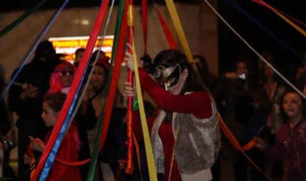 Η καρδιά της Τσικνοπέμπτης χτυπάει φέτος στην Πλάκα: Ολοήμερο αποκριάτικο πάρτι με τη συμμετοχή της Φιλαρμονικής και της Χορωδίας του δήμου Αθηναίων! Να είστε όλοι εκεί! - Κυρίως Φωτογραφία - Gallery - Video