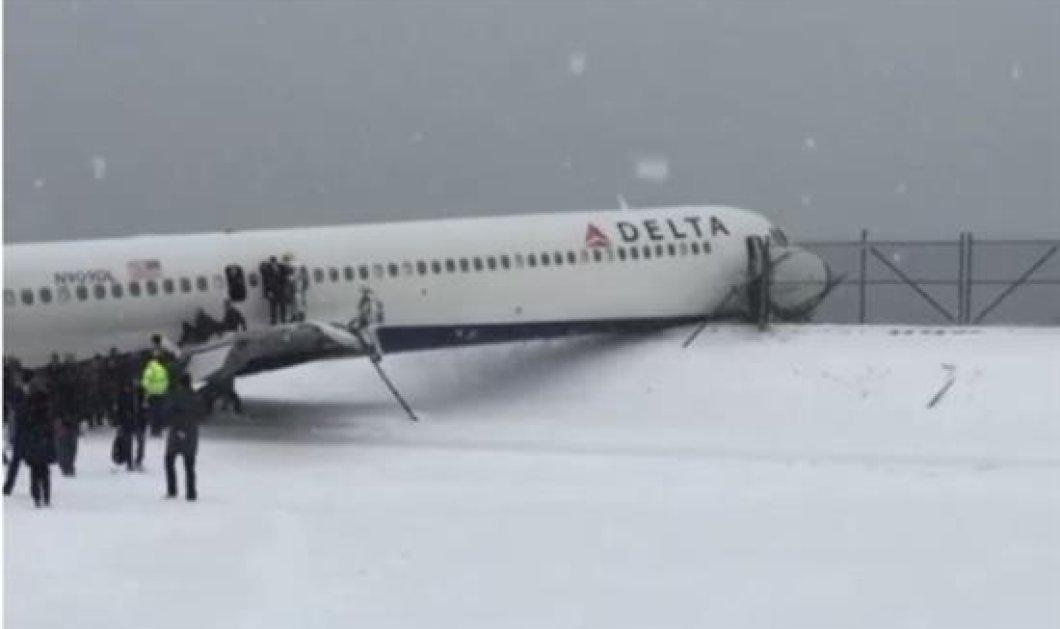 ΗΠΑ: Αεροσκάφος έπεσε σε φράχτη λόγω χιονόπτωσης - 24 τραυματίες - Χιλιάδες πτήσεις ακυρώθηκαν (βίντεο) - Κυρίως Φωτογραφία - Gallery - Video