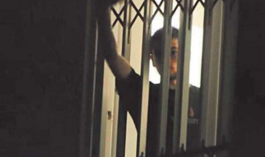 Λιποθύμησε ο Ν. Ρωμανός στο Γ. Γεννηματάς - Διανύει την 25η ημέρα της απεργίας πείνας  - Κυρίως Φωτογραφία - Gallery - Video
