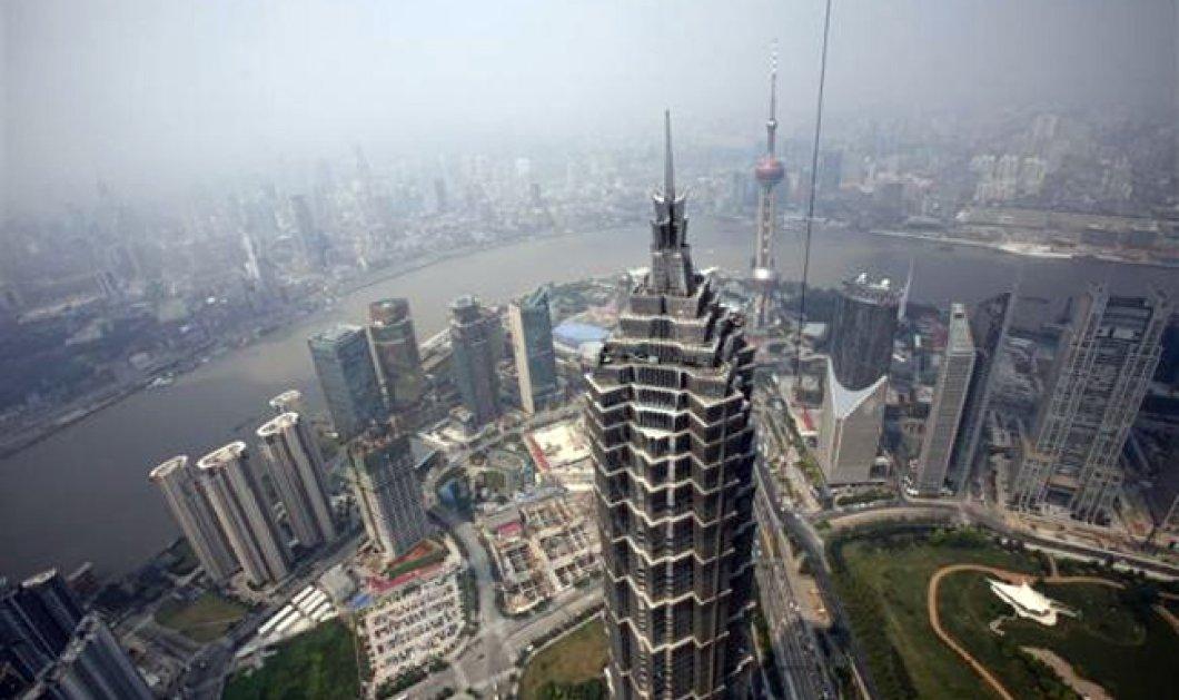 Θρίλερ με καθαριστές τζαμιών που έμειναν στον 91ο όροφο του πιο ψηλού ουρανοξύστη στον κόσμο! Δείτε το βίντεο!  - Κυρίως Φωτογραφία - Gallery - Video