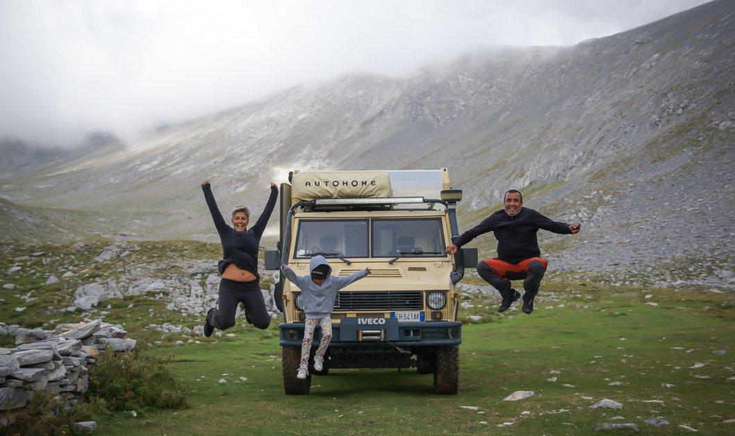 Story of the day: Η Βούλα & ο Άκης κάνουν για δεύτερη φορά τον γύρο του κόσμου με αυτοκίνητο - Μαζί τους τώρα & η 8χρονη κόρη τους (φωτό) - Κυρίως Φωτογραφία - Gallery - Video