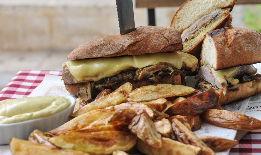 Άκη Πετρετζίκη, make our day! Ξεκινήστε την ημέρα σας με ένα χορταστικό σνακ, σαν το Steak Sandwich που μας προτείνει ο ταλαντούχος σεφ! - Κυρίως Φωτογραφία - Gallery - Video