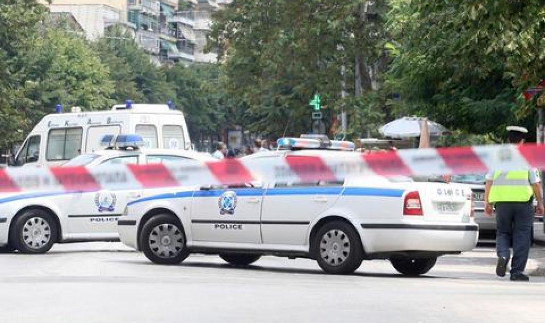 Εξερράγη παγιδευμένο αυτοκίνητο στην Αττική οδό - Νεκρός ο 35χρονος οδηγός, με σοβαρά τραύματα η 26χρονη συνεπιβάτης - Κυρίως Φωτογραφία - Gallery - Video
