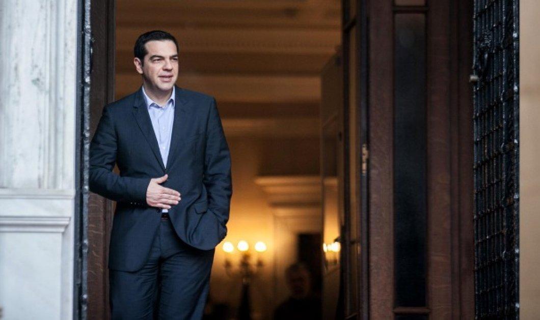 Guardian: Ο Τσίπρας στη θέση που κανείς δεν θα ήθελε να βρεθεί - Grexit ή θα προδώσει την ιδεολογία του; - Κυρίως Φωτογραφία - Gallery - Video