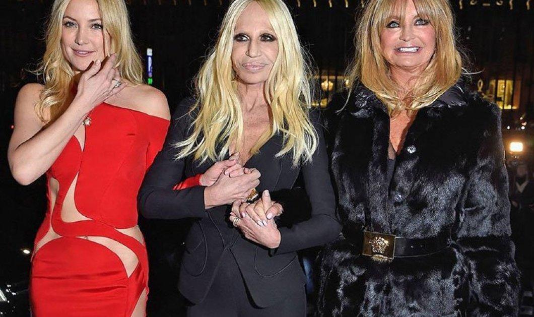 Στην απόλυτα σέξι γυναίκα επιμένει η Donatella Versace που παρουσίασε απόψε τη νέα κολεξιόν της στο Παρίσι!(Slideshow) - Κυρίως Φωτογραφία - Gallery - Video