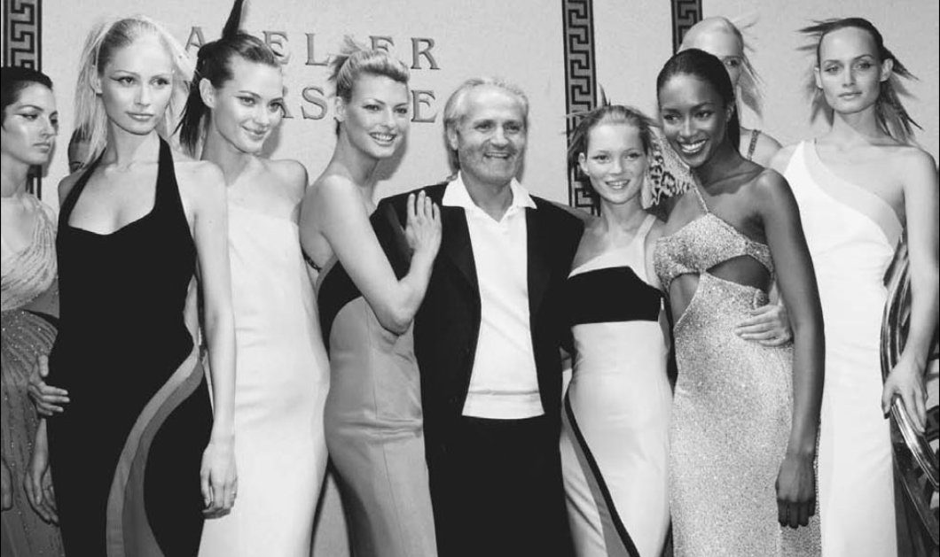 Gianni Versace: Το φτωχόπαιδο του Νότου - μαικήνας της μόδας - Ήθελε τις γυναίκες σέξι & χαρούμενες, όχι σικ & δυστυχισμένες-  Τραγικό τέλος στη χλιδή μιας βίλας!  - Κυρίως Φωτογραφία - Gallery - Video