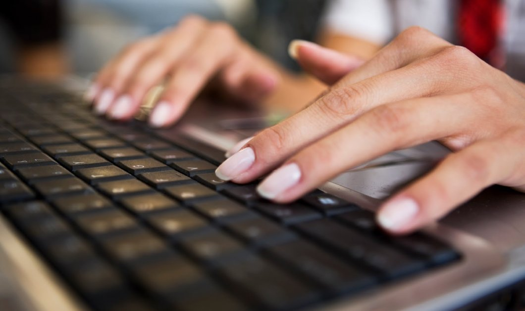 Νόσος του Πάρκινσον: Ο τρόπος που πληκτρολογείτε δείχνει αν κινδυνεύετε! - Κυρίως Φωτογραφία - Gallery - Video