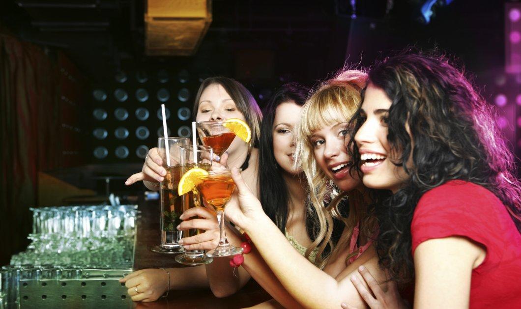 Θέλετε να πιείτε αλλά φοβάστε τις επιπτώσεις του αλκοόλ στον οργανισμό σας; Ιδού τα 4 πιο υγιεινά & ανώδυνα αλκοολούχα ποτά! - Κυρίως Φωτογραφία - Gallery - Video