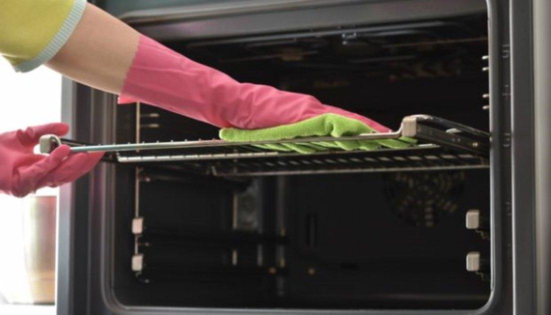 2 εύκολες και γρήγορες λύσεις για να καθαρίσετε φυσικά τον φούρνο σας με αμμωνία