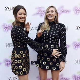 Ουπς... η Aubrey Plaza και η Elizabeth Olsen φόρεσαν το ίδιο φόρεμα και τα ίδια παπούτσια στην παρουσίαση της ταινίας «Ingrid Goes West» στην οποία συμμετέχουν - Φωτογραφία: Chris Pizzello/Invision/AP - Κυρίως Φωτογραφία - Gallery - Video