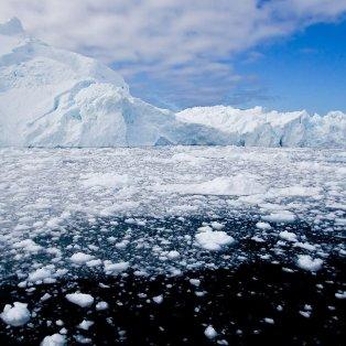 Θέα μοναδική στη Γροιλανδία με τεράστιους πάγους που σπάνε & λιώνουν - Φωτογραφία: REUTERS / GRIGORY DUKOR - Κυρίως Φωτογραφία - Gallery - Video