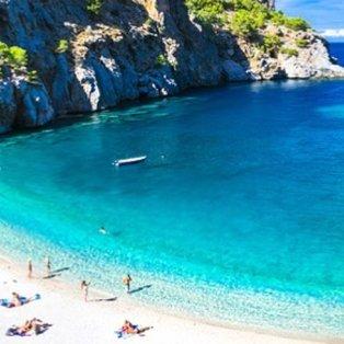 Η πιο όμορφη καλημέρα με… βουτιές στα καταγάλανα νερά της παραλίας Αχάτα της Καρπάθου (Φωτό: Visit Greece) - Κυρίως Φωτογραφία - Gallery - Video