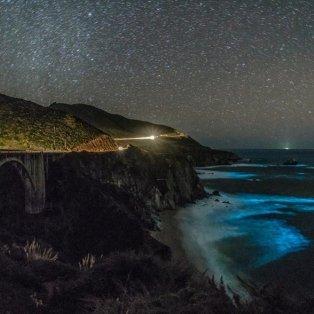 Απίστευτη λήψη! Βιοφωταυγές φυτοπλαγκτόν φωτίζει τις ακτές του Big Sur, στην Καλιφόρνια - Photo: REUTERS / GEORGE KRIEGER  - Κυρίως Φωτογραφία - Gallery - Video