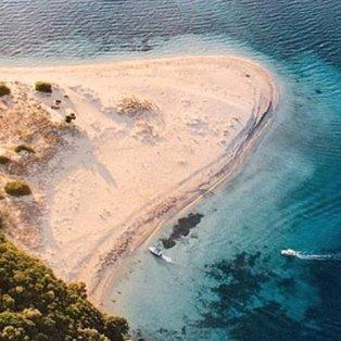 Μαραθονήσι: Να χάνεσαι στα μαγικά νερά της Ζακύνθου (Φωτό: Reason to Visit Greece / Φωτογράφος: @giorgiatenani) - Κυρίως Φωτογραφία - Gallery - Video