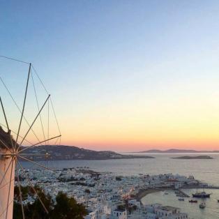 """""""Χρυσό"""" ηλιοβασίλεμα στην Μύκονο - Picture: Ch.Antonis / Cyclades_Islands Instagram - Κυρίως Φωτογραφία - Gallery - Video"""