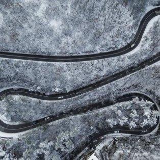 Μοναδική αεροφωτογραφία από το χιονισμένο Πετς στην Ουγγαρία - Φωτογραφία: EPA / Tamas Soki - Κυρίως Φωτογραφία - Gallery - Video