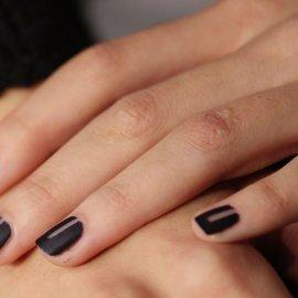 25 προτάσεις για σκούρα νύχια φέτος το χειμώνα (Φωτό) - Κυρίως Φωτογραφία - Gallery - Video