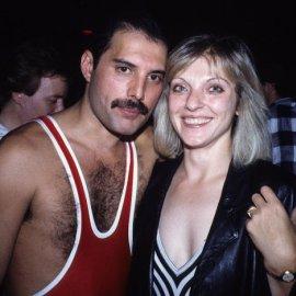 Freddie Mercury -  Mary Austin: Ένας έρωτας ανεκπλήρωτος όταν εκείνος της εξομολογήθηκε ότι προτιμά τους άνδρες (φωτό & βίντεο) - Κυρίως Φωτογραφία - Gallery - Video