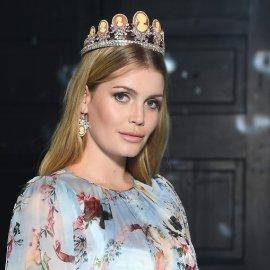 Ερωτευμένη με 60χρονο μεγιστάνα η 28χρονη καλλονή ανιψιά της πριγκίπισσας Νταϊάνα (φωτό) - Κυρίως Φωτογραφία - Gallery - Video