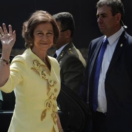 Η βασίλισσα της Ισπανίας με την πριγκίπισσα Ειρήνη & τον ανιψιό τους Νικόλαο επισκέφτηκαν το Τατόι (φώτο) - Κυρίως Φωτογραφία - Gallery - Video
