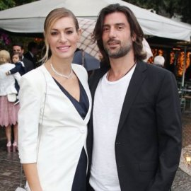 Ζέτα Δούκα: Γιόρτασε την επέτειο των 6 χρόνων σχέσης κάνοντας ελεύθερη πτώση με τον σύζυγό της  - Έπεσαν από τα 11.000 πόδια (βίντεο) - Κυρίως Φωτογραφία - Gallery - Video