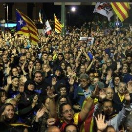 """""""Νύχτα τρόμου"""" στη Βαρκελώνη: Τουλάχιστον  78 τραυματίες από επεισόδια  σε διαδηλώσεις (φώτο-βίντεο)  - Κυρίως Φωτογραφία - Gallery - Video"""