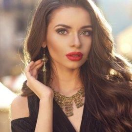 Εντυπωσιακά γυναικεία χτενίσματα με χωρίστρα στο πλάι: 20+ ιδέες για τα πιο όμορφα μαλλιά - Φώτο - Κυρίως Φωτογραφία - Gallery - Video