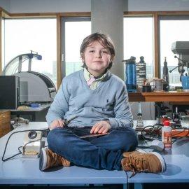 Ο 9χρονος μικρός Αϊνστάιν από το Βέλγιο παράτησε το Πανεπιστήμιο - Οι γονείς του εξηγούν τι έγινε - Φώτο & βίντεο  - Κυρίως Φωτογραφία - Gallery - Video