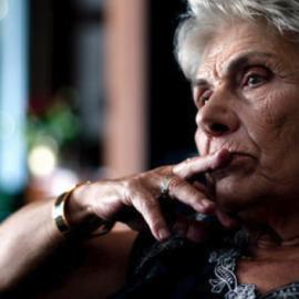 """Έκτακτη είδηση: Διασωληνωμένη στο """"Υγεία"""" η ποιήτρια Κική Δημουλά  - Κυρίως Φωτογραφία - Gallery - Video"""