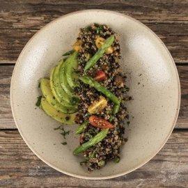 Ο Άκης Πτρετζίκης μας προτείνει ένα τέλειο πιάτο: Πλιγούρι με μαύρες φακές και σπαράγγια - Κυρίως Φωτογραφία - Gallery - Video