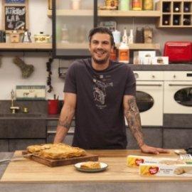 Ο Άκης Πετρετζίκης μας φτιάχνει φριτάτα με μπέικον και γλυκοπατάτες - Κυρίως Φωτογραφία - Gallery - Video