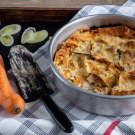 Καταπληκτική κοτόπιτα με μπεσαμέλ από την Αργυρώ Μπαρμπαρίγου - Κυρίως Φωτογραφία - Gallery - Video