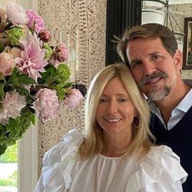 Διακοπές στις Σπέτσες για τον Παύλο & την Μαρί Σαντάλ - Οι χαλαρές βόλτα στα σοκάκια με την όμορφη κόρη τους, πριγκίπισσα Ολυμπία (φωτό) - Κυρίως Φωτογραφία - Gallery - Video