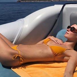 Το κορίτσι του Τεό Νιάρχου κάνει διακοπές στην Σπετσοπούλα & στην Ύδρα - Παντού με τον δισεκατομμυριούχο αγαπημένο της το μανεκέν της Victoria's Secret (φωτό) - Κυρίως Φωτογραφία - Gallery - Video