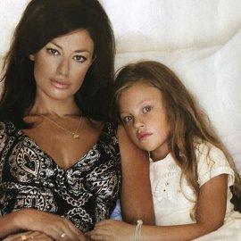 Ηλέκτρα Stegerhoek: Η 20χρονη κόρη της Δωροθέας Μερκούρη είναι μία καλλονή - Μοιάζει με την Αντζελίνα Τζολί, ζει μόνιμα στο Άμστερνταμ (φωτό - βίντεο) - Κυρίως Φωτογραφία - Gallery - Video
