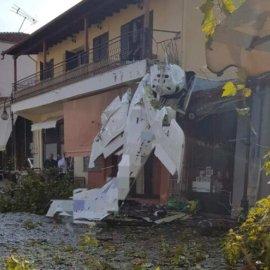19χρονος ο πιλότος που έπεσε με το μονοκινητήριό του σε σπίτι στην πλατεία της Πρώτης Σερρών - Οι εικόνες κάνουν τον γύρο του κόσμου (φωτό - βίντεο) - Κυρίως Φωτογραφία - Gallery - Video
